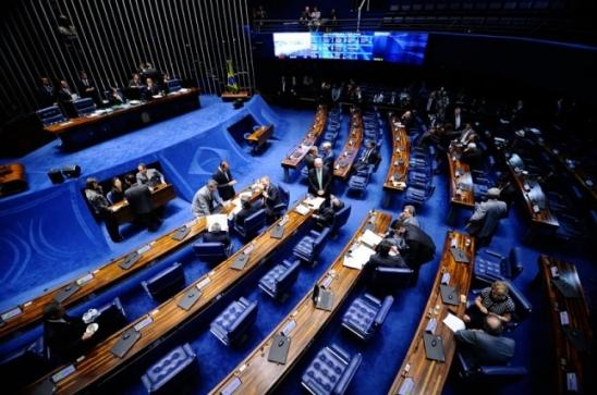Pauta do Senado tem decisão do STF sobre Aécio e projetos da reforma política