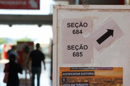 Senado pode votar na terça PEC sobre fim de coligações e cláusula de desempenho