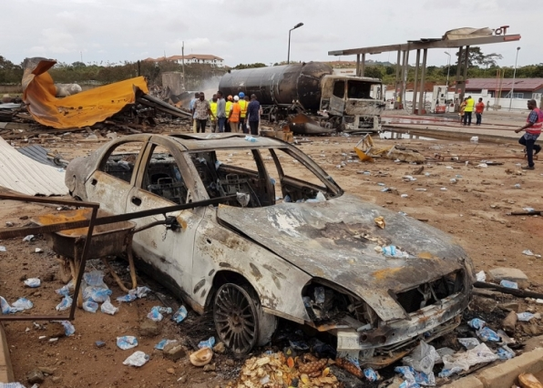 Explosão em posto de gasolina e estação de gás em Gana deixa mortos e feridos