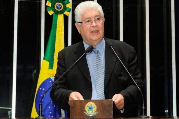 Requião diz que Lava Jato ignora a entrega de patrimônio nacional a estrangeiros