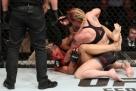 Implacável, Valentina Shevchenko finaliza Pedrita em luta sangrenta no UFC Belém