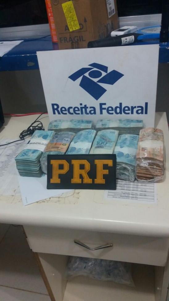 PRF APREENDE, EM OPERAÇÃO CONJUNTA, R$ 450 MIL EM DINHEIRO EM PORTO VELHO