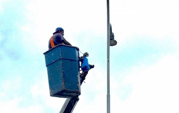 Prefeitura de Monte Negro faz a revitalização de 70% da iluminação pública por lâmpada de LED