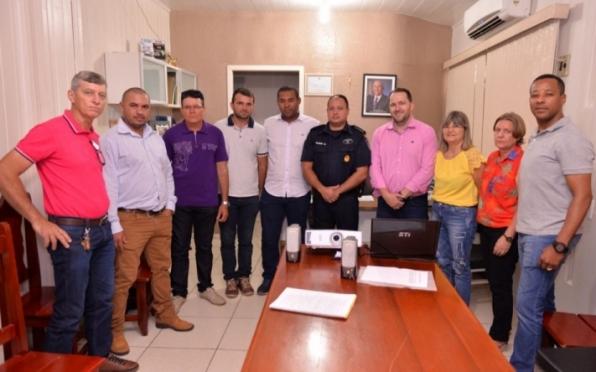 Vídeo-Monitoramento é discutido pelo COMSEG em reunião na prefeitura de Monte Negro, em RO