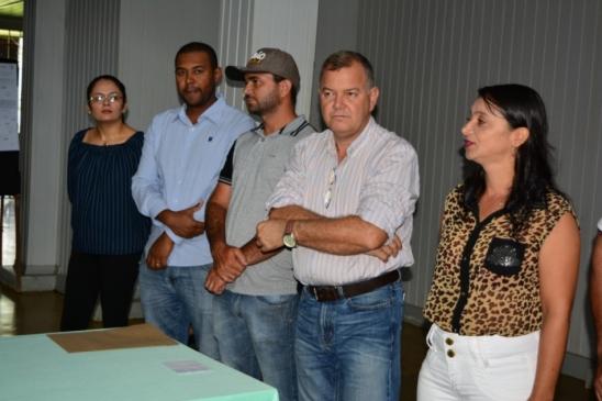 Lúcio Mosquini destina massa asfáltica para imediato reparo das ruas em Monte Negro