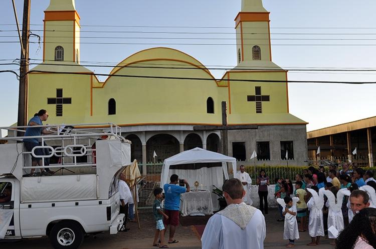 Paróquia de Monte Negro celebra Corpus Christi 2018