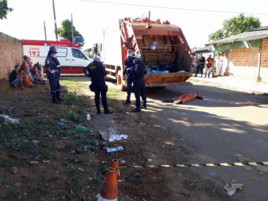 Gari é atropelado por caminhão de lixo no Setor 10 em Ariquemes, RO