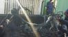 HOMEM ATEIA FOGO EM MOTOCICLETA APÓS SER IMPEDIDO DE SAIR PELA MULHER NO SETOR 03 EM ARIQUEMES