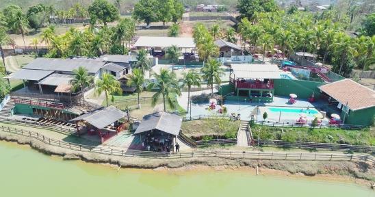 Baile Noite Havaiana será realizado no Parque Aquático Chácara Dorneles em Ariquemes