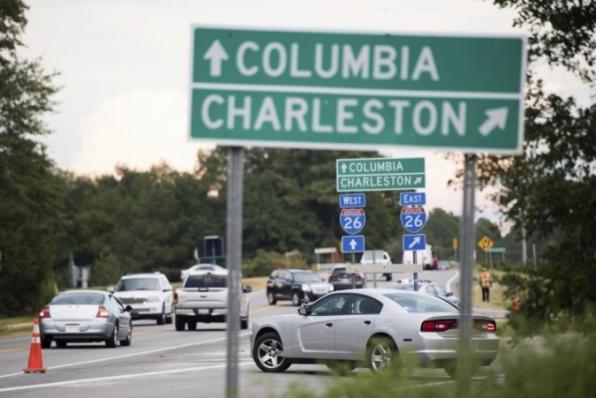 Moradores da costa leste dos EUA deixam litoral enquanto furacão Florence se aproxima