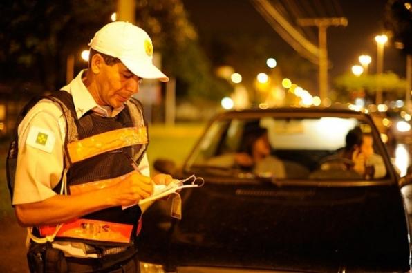Projeto estabelece que multa de trânsito por infração leve seja convertida em advertência