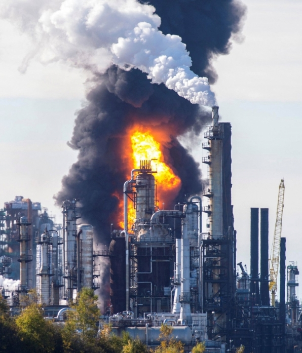 Explosão e incêndio atingem refinaria no Canadá; vários ficam feridos