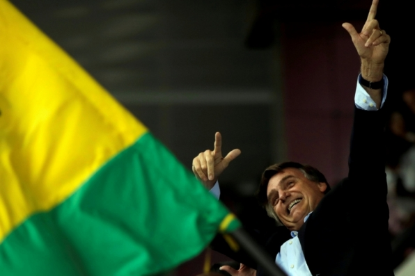 Bolsonaro lidera em 4 regiões e Haddad em 1, segundo Datafolha
