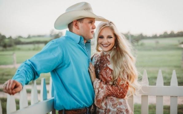 Casal morre em acidente de helicóptero logo após o casamento nos EUA