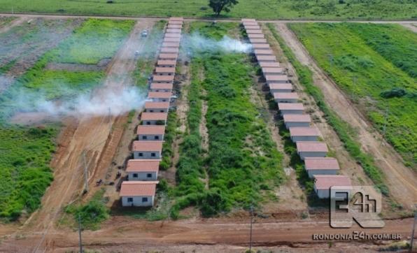 Conjunto Habitacional do Governo Federal é invadido por pessoas em Monte Negro, RO