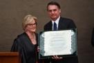 Bolsonaro e Mourão são diplomados em cerimônia no TSE