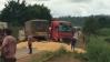 Acidente com caminhão que transportava milho deixa BR-364 interditada em RO