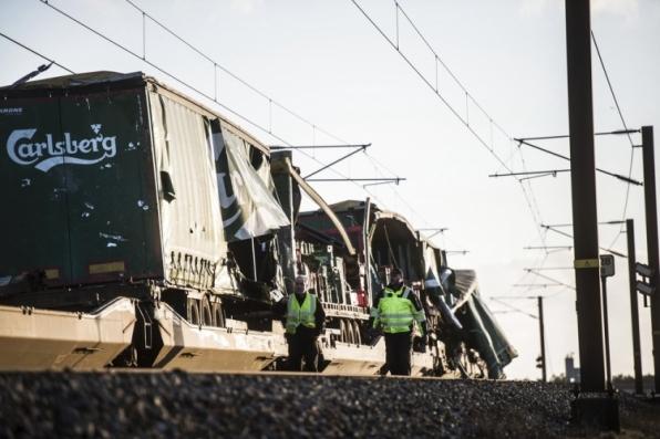 Acidente de trem em ponte da Dinamarca deixa 6 mortos e 12 feridos