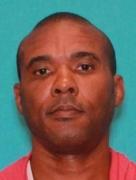 Acusado de assassinato, lutador de MMA vira fugitivo, mas é capturado depois de nove horas