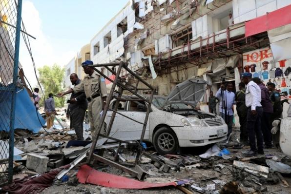 Explosão em mercado deixa mortos na capital da Somália
