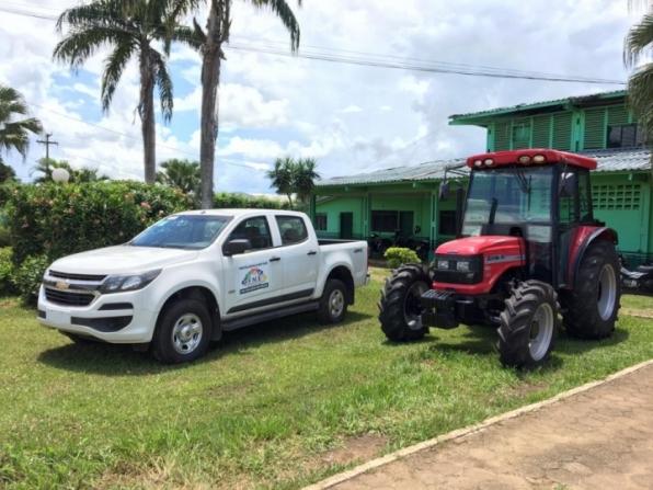 Deputado Estadual Lebrão destina camionete para SEMED e trator à agricultura de Monte Negro, em RO