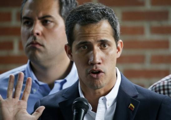 Constituinte pró-Maduro cassa imunidade parlamentar de Juan Guaidó na Venezuela
