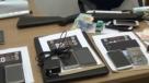 Polícia apreende 20 celulares e arma de fogo em operação contra tráfico de drogas em Jaru, RO