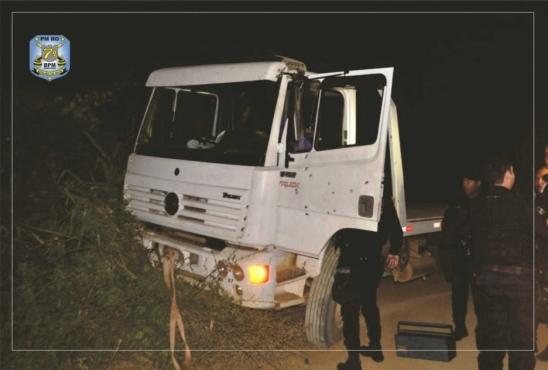 PM recupera caminhão na área rural de Alto Paraíso