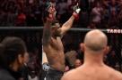 Francis Ngannou demole Junior Cigano em pouco mais de um minuto e pede disputa de título