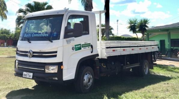 Prefeitura de Monte Negro recebe caminhão para área da agricultura