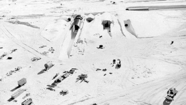 A base secreta dos EUA que está 'vindo à tona com derretimento do gelo na Groenlândia