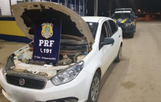 PRF recupera carro clonado trafegando na BR 421, em Ariquemes
