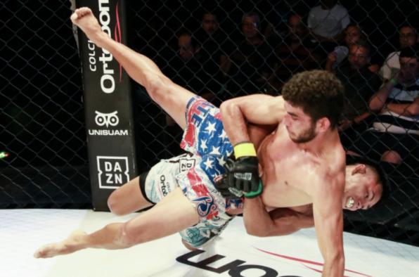 Kleydson Rodrigues bate Eduardo Chapolin e conquista cinturão peso-mosca no Jungle Fight 97