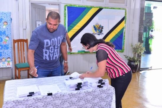 Mais 14 aprovados em concurso público de Monte Negro são empossados, em RO