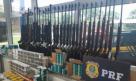 PRF apreende arsenal dentro de uma van na Fernão Dias, em Minas Gerais