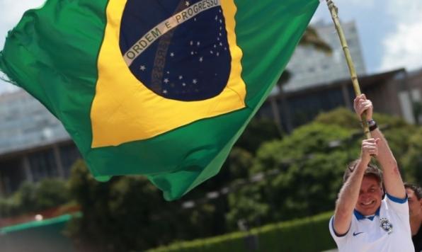 Bolsonaro participa de manifestação de apoiadores em Brasília