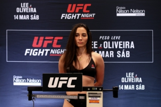 Cidadã do mundo, Verônica Macedo carrega o orgulho venezuelano ao octógono do UFC