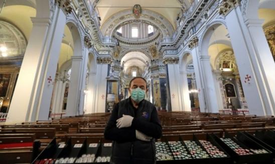 Estudantes da Coreia do Sul voltarão às aulas dia 13 usando máscaras