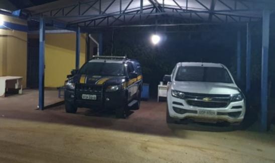 PRF recupera veículo roubado na BR 425 em Guajará-Mirim/RO