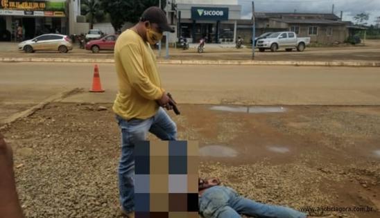 MACHADINHO: HOMEM É PRESO POR POLICIAL À PAISANA AO TENTAR INVADIR O QUARTEL NO DISTRITO DE 5º BEC