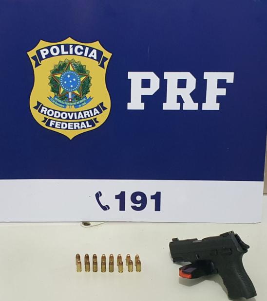 Porto Velho/RO: PRF detém um homem por porte ilegal de arma de fogo