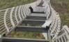 China: vidro quebra e homem fica pendurado em ponte a 100 metros de altura